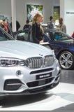 De Internationale Automobiele Salon van BMW X5 M50d Moskou Stock Foto's