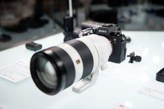De Internationale de Foto en de Weergaveindustrie van 26ste Seoel toont Nieuw die product door Sony Mirrorless Camera a9 wordt vr Stock Afbeelding