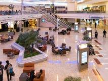 De internationale terminal van Maynard Jackson op de luchthaven van Atlanta, de V.S. stock afbeeldingen