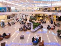 De internationale terminal van Maynard Jackson op de luchthaven van Atlanta, de V.S. stock foto's