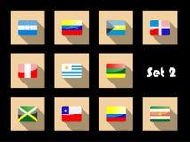 De internationale vlaggen van het land die op vlakke pictogrammen worden geplaatst Stock Foto's
