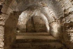 De interne die passage in Ajloun-Kasteel, ook als Qalat AR-Rabad wordt bekend, is een de 12de eeuw Moslimdiekasteel in noordweste stock foto