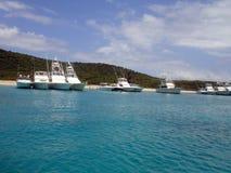 De Invasie van de boot, de Caraïben, Puerto Rico, Culebra Stock Foto's