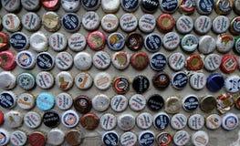 De inzameling van bierkroonkurken Stock Afbeeldingen