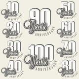 De inzameling van het verjaardagsteken en kaartenontwerp in retro stijl Royalty-vrije Stock Afbeelding