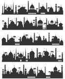 De Islamitische vlakke schets van de stadshorizon vector illustratie
