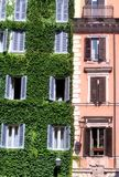 De Italiaanse bouw in Rome Stock Foto's