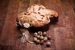 De Italiaanse Eieren van de Duif en van de Kwartels van Pasen stock afbeeldingen