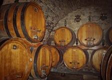 De Italiaanse kelder van het wijnhol Stock Afbeelding