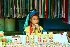 De jaar van meisjes 8-10 het verkopen. Stock Foto