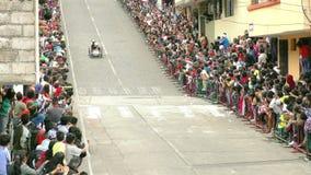 De jaarlijkse eigengemaakte karconcurrentie Banos DE Agua Santa stock footage
