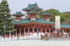 De jaarlijkse parade van het de herfst historische kostuum in Kyoto Stock Foto's