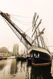 De jachten en de boten bij de show tijdens jaarlijks het jachtfestival van Oostende riepen Oostende Voor Anker Royalty-vrije Stock Foto