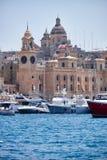 De jachten legden in de haven in de kreek van de Werf voor Ma vast Royalty-vrije Stock Foto