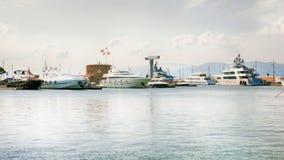 De jachten van de luxe in heilige-Tropez Royalty-vrije Stock Foto