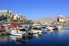 De jachten van het parkeren in Eilat, Israël Royalty-vrije Stock Afbeeldingen