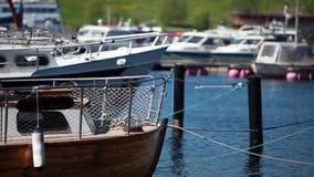 De jachthaven van de vanglijnenzomer Royalty-vrije Stock Afbeelding