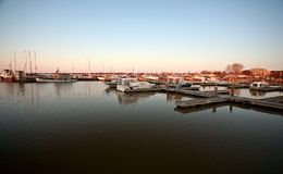 De jachthaven van Gimli op Meer Winnipeg stock afbeelding