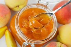 De jam van de abrikoos Stock Afbeeldingen