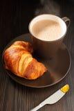De Jam van de croissant en van de Abrikoos stock afbeelding