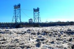 De Jam van het ijs bedreigt Selkirk MB Stock Fotografie