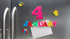 4 de janeiro data de calendário feita com letras magnéticas plásticas Fotografia de Stock Royalty Free