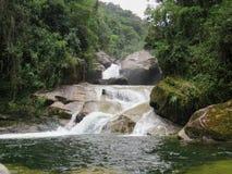 7 de janeiro de 2016, Itatiaia, Rio de janeiro, Brasil, cachoeira bonita de Itaporani no meio da floresta do nacional de Itatiaia imagens de stock