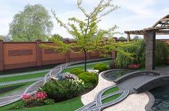 De Japanse geïnspireerde 3d tuin, geeft terug Royalty-vrije Stock Foto