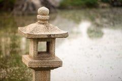 De Japanse Lantaarn van de Steen Royalty-vrije Stock Afbeeldingen
