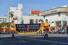 De Japanse de Middelbare schoolband van Kyoto Tachiba toont in beroemde Rose Parade Royalty-vrije Stock Foto's