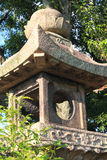 De Japanse oosterse lantaarn van de steentuin Stock Foto
