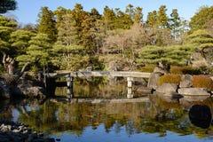 De Japanse Tuin Himeji van de steenbrug stock afbeelding