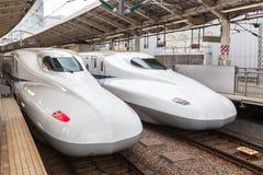 De Japanse ultrasnelle trein van Shinkansen Stock Foto's