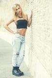 De jeugd en schoonheid Het meisje van de blonde in openlucht Royalty-vrije Stock Foto