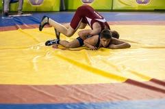 De jeugdcompetities bij het sportieve worstelen Royalty-vrije Stock Foto