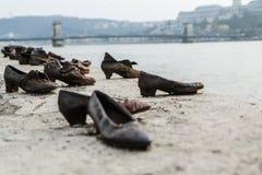 De Joden moord gedenkteken door Donau in Boedapest royalty-vrije stock foto