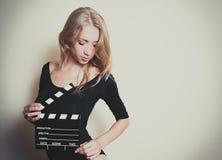 De jonge beginnende auditie van de blondeactrice royalty-vrije stock afbeeldingen