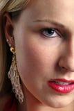 De jonge blonde vrouw van Headshot Royalty-vrije Stock Afbeeldingen