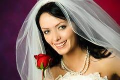 De jonge bruid met nam toe Royalty-vrije Stock Foto