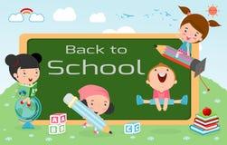 De jonge geitjes en het bord, de Kinderen en de raad, jonge geitjesonderwijs, onderwijsconcept, terug naar schoolmalplaatje met j Stock Afbeeldingen