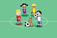 De jonge geitjes van Footbal Royalty-vrije Stock Foto's