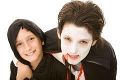 De Jonge geitjes van Halloween - het Portret van Broers Stock Afbeelding