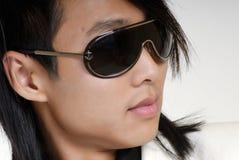 De jonge man in zonnebril Royalty-vrije Stock Fotografie