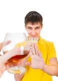 De jonge Mens weigert een Alcohol stock afbeeldingen