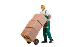 De jonge mensen bewegende die dozen met kar op wit wordt geïsoleerd Stock Foto's