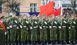 De jonge militairen schreeuwen Royalty-vrije Stock Foto's