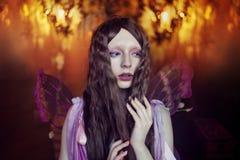 De jonge mooie vrouw in het beeld van feeën, sluit omhoog Royalty-vrije Stock Afbeelding