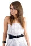 De jonge schoonheidsvrouw in witte kleding Royalty-vrije Stock Foto