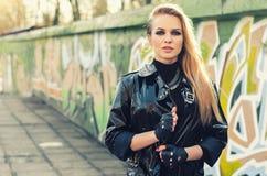 De jonge sexy vrouw van het glamourblonde Royalty-vrije Stock Foto