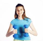 De jonge vrij slanke vrouw met domoor isoleerde het vrolijke glimlachen, de echte volgende deur van het sportmeisje, het concept  Stock Foto's
